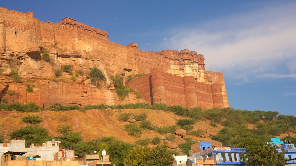 Mehrangarh Fort featuring chateau or palace, heritage architecture and heritage elements