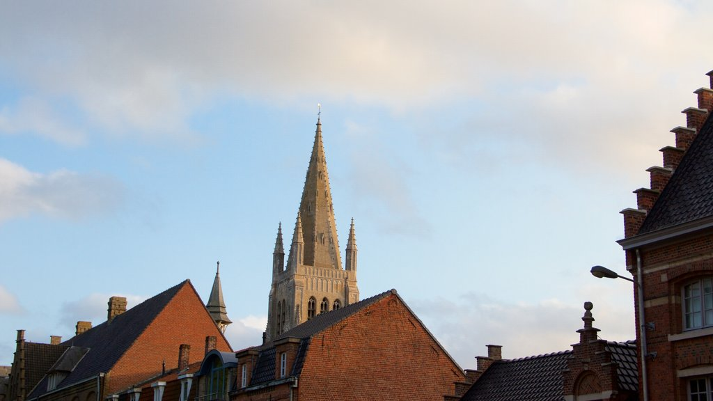 Ypres showing a sunset and heritage elements