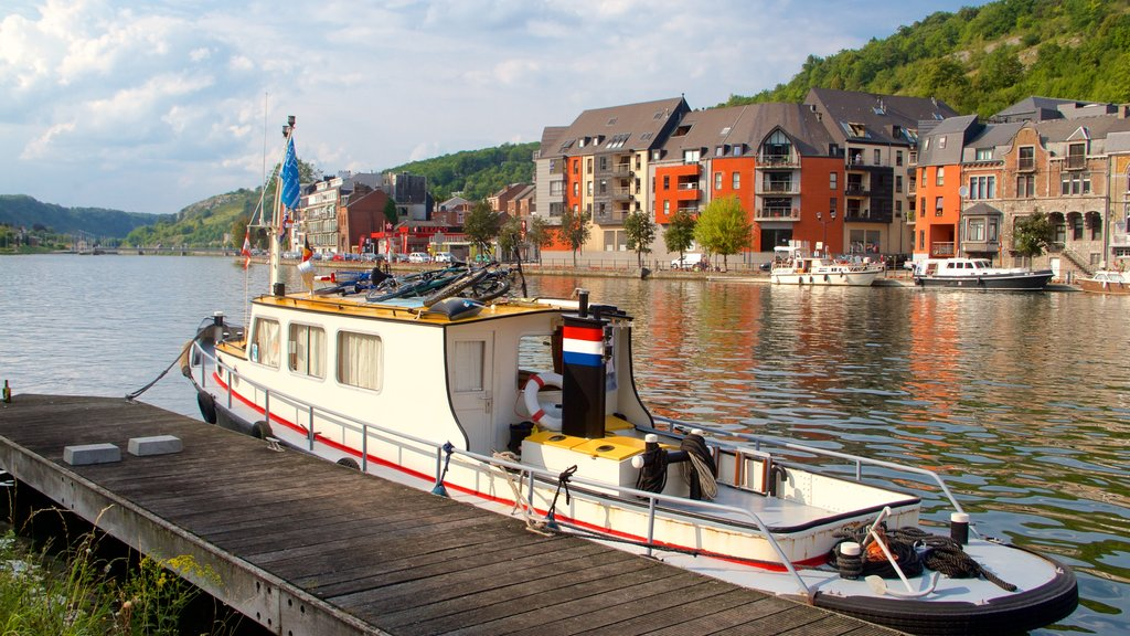 Dinant which includes heritage architecture, a lake or waterhole and boating