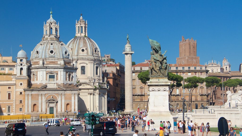 Piazza Venezia featuring a statue or sculpture, a square or plaza and heritage architecture