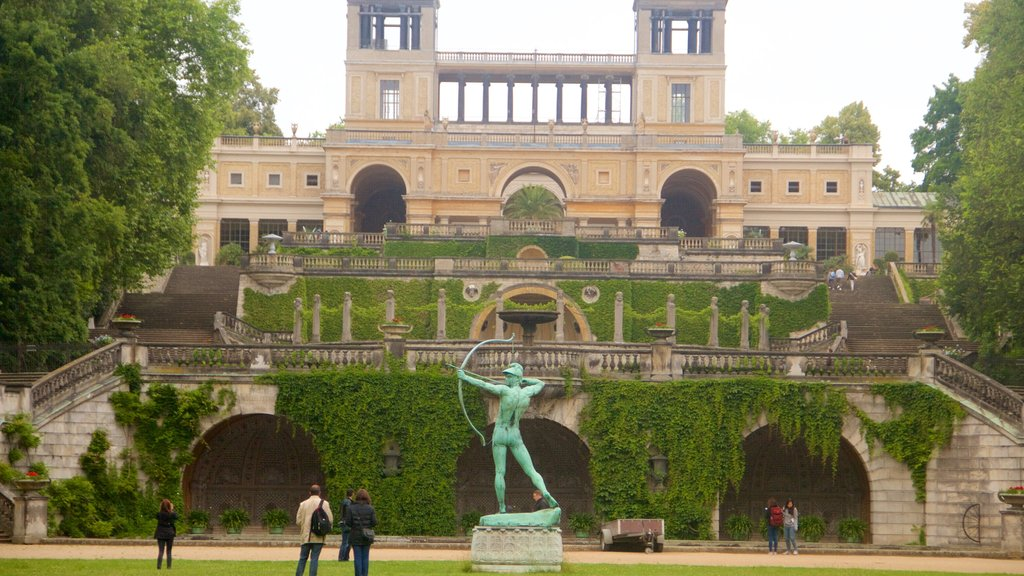 Orangery Palace which includes heritage elements, heritage architecture and a statue or sculpture