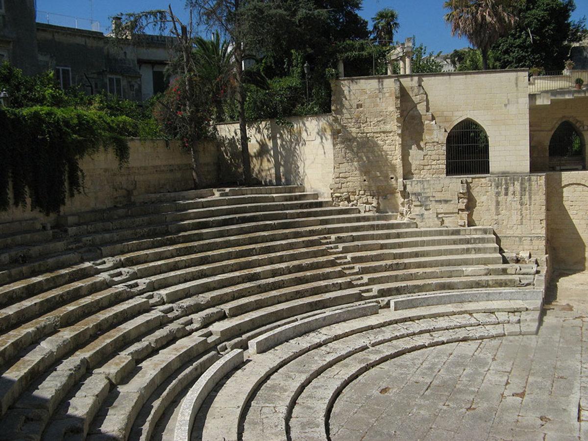 Architetti Famosi Lecce scoprire il centro storico di lecce, tra barocco e buona tavola