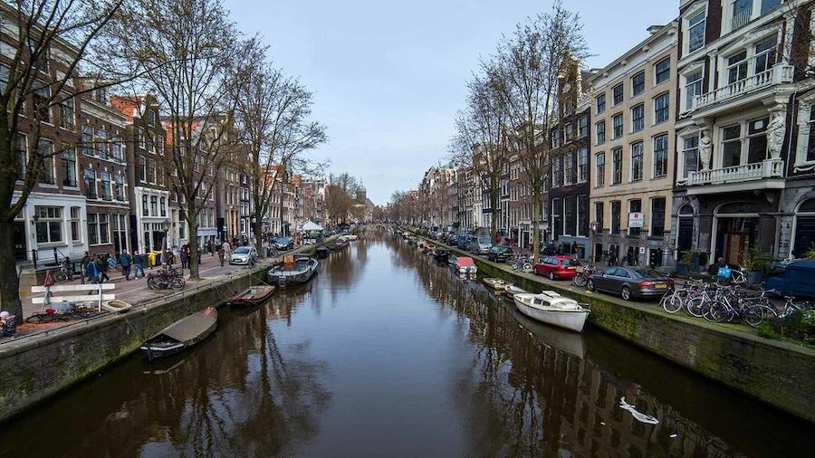 Amsterdam in één minuut: een knusse wereldstad