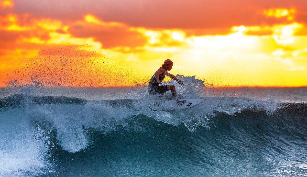 5 plages pour pratiquer le surf en Bretagne