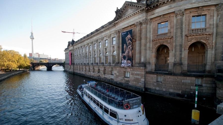 Berlin von der Spree aus erleben: die schönsten Bootstouren in Berlin
