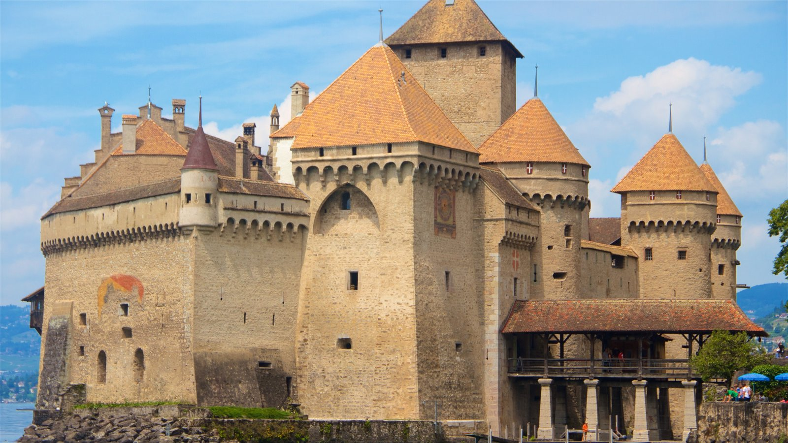 Chateau de Chillon which includes heritage elements, heritage architecture and chateau or palace