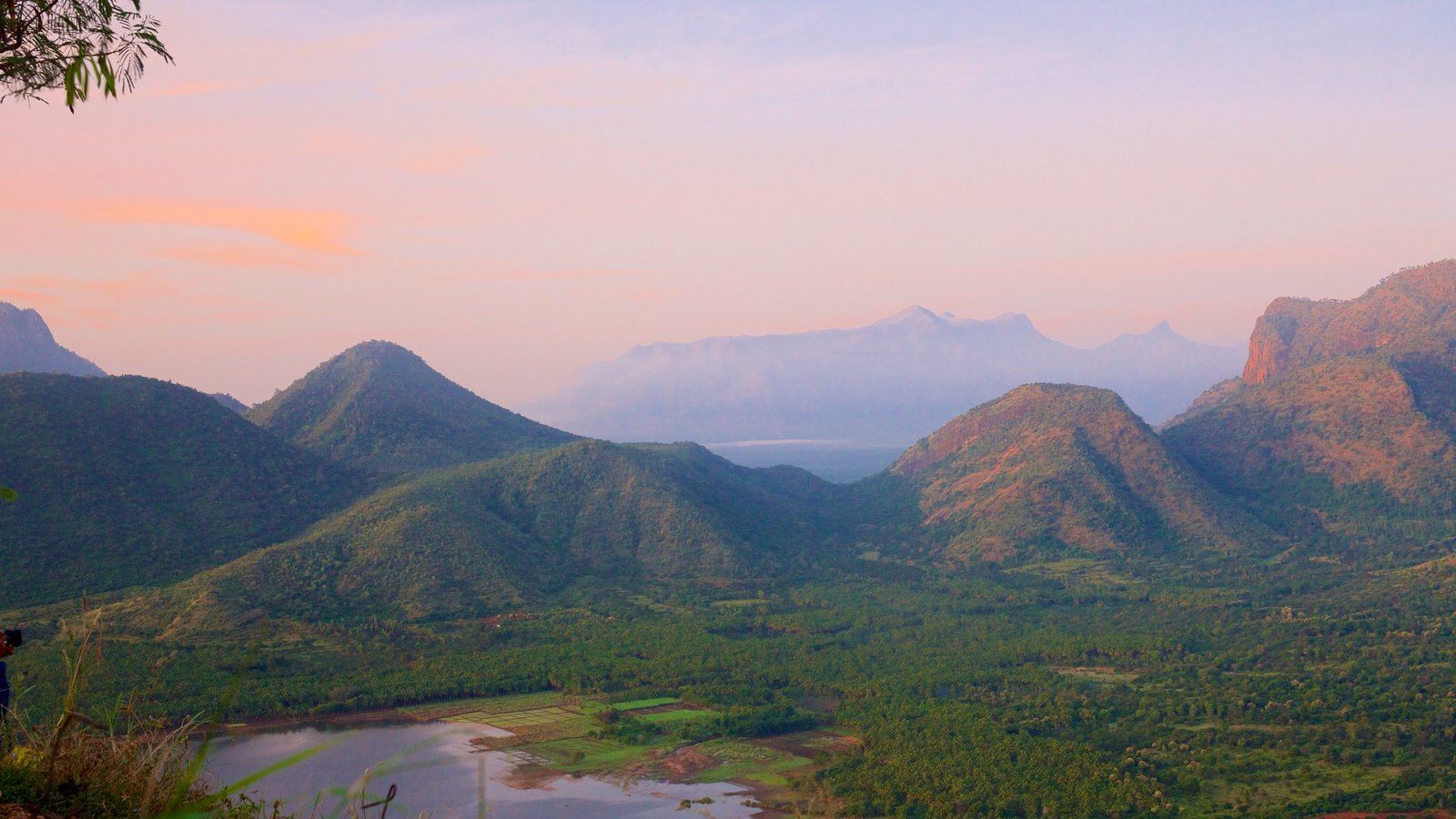 Kodaikanal which includes mountains, tranquil scenes and landscape views