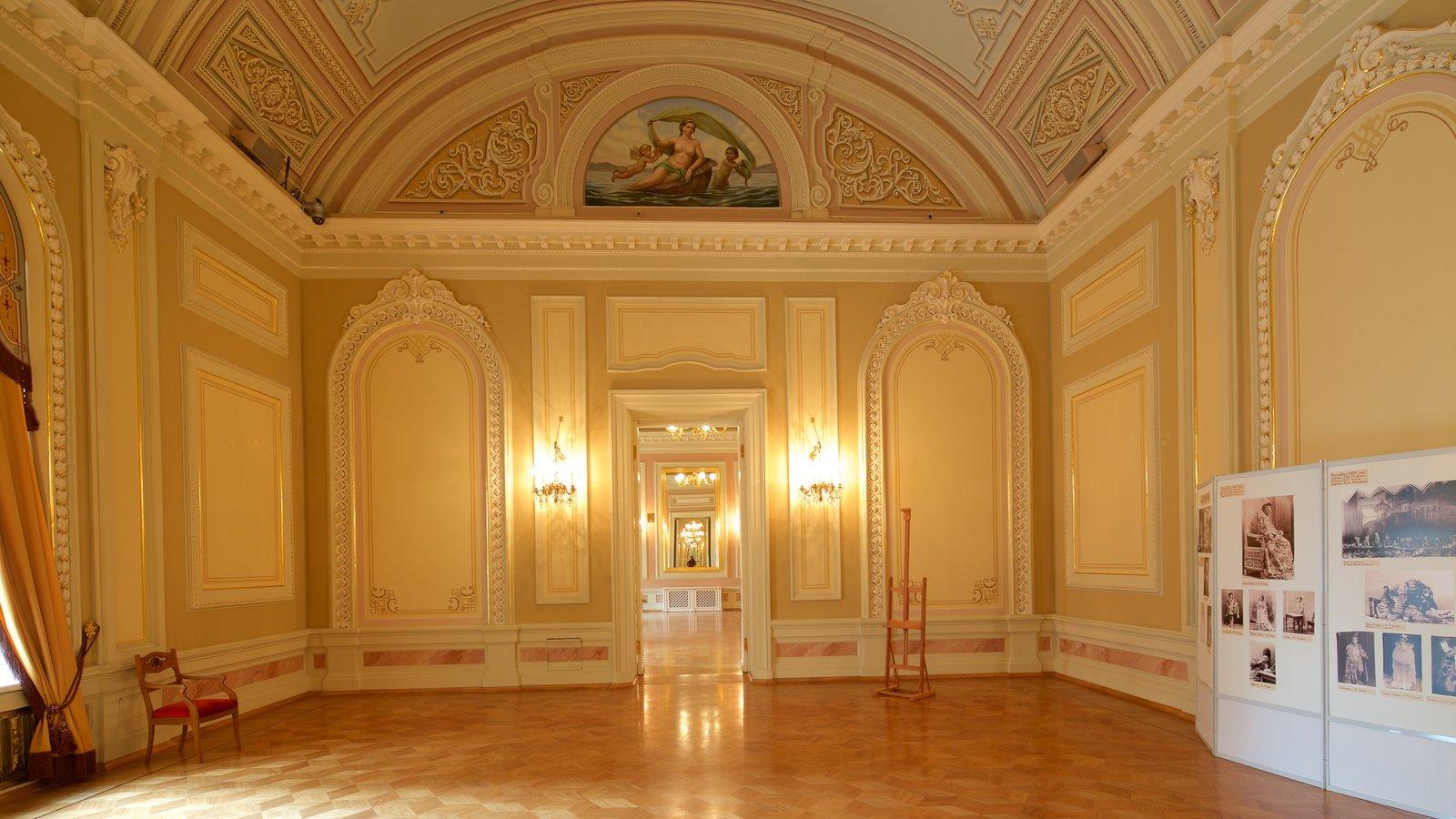 Teatro Bolshoi que inclui arquitetura de patrimônio e vistas internas