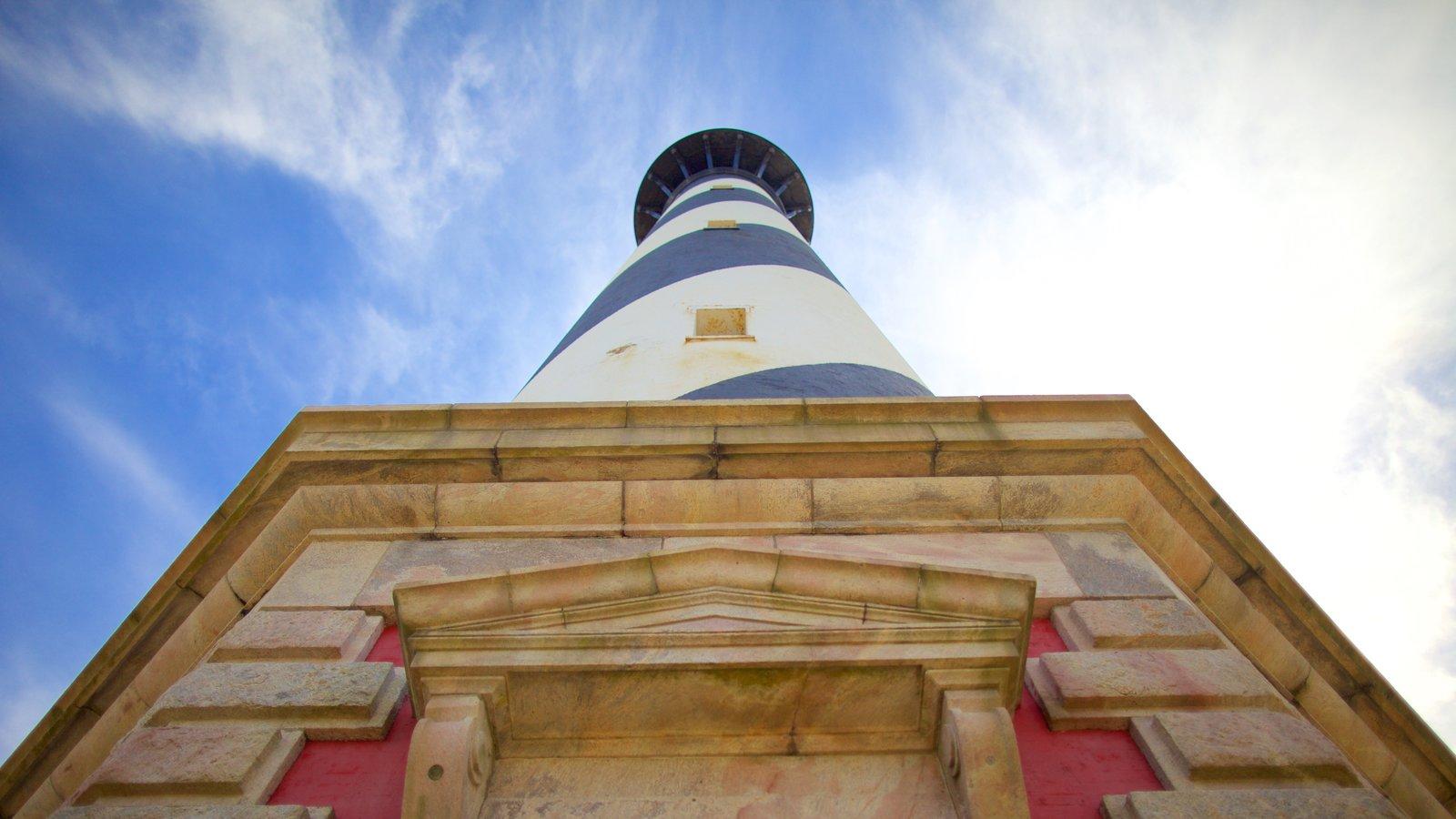 Cape Hatteras Lighthouse mostrando um farol