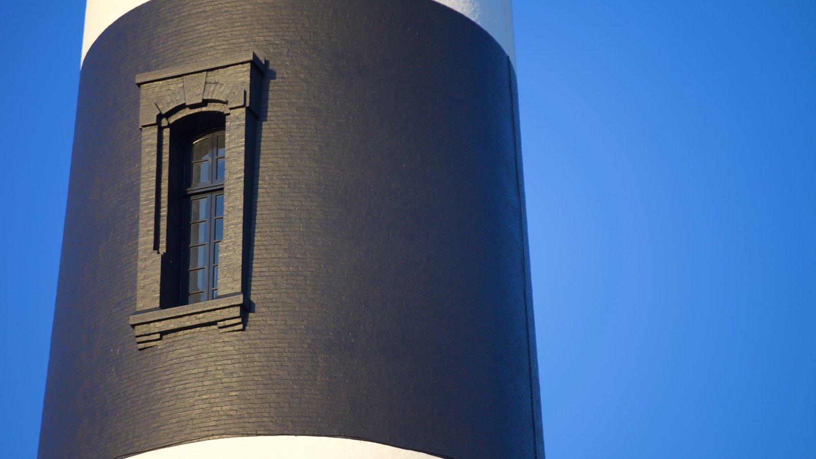 Bodie Island Lighthouse mostrando um farol