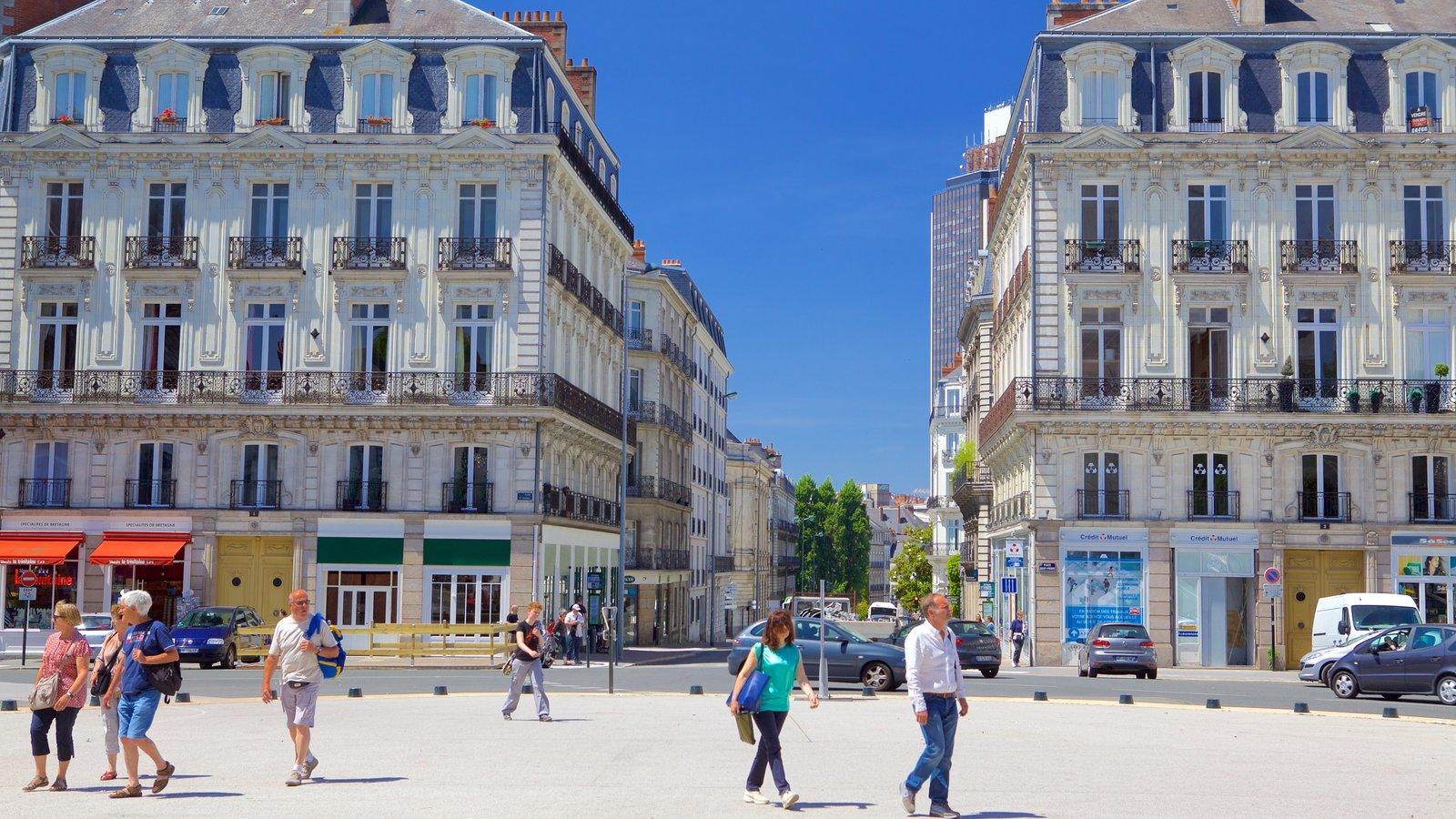 Nantes que inclui elementos de patrimônio e uma casa