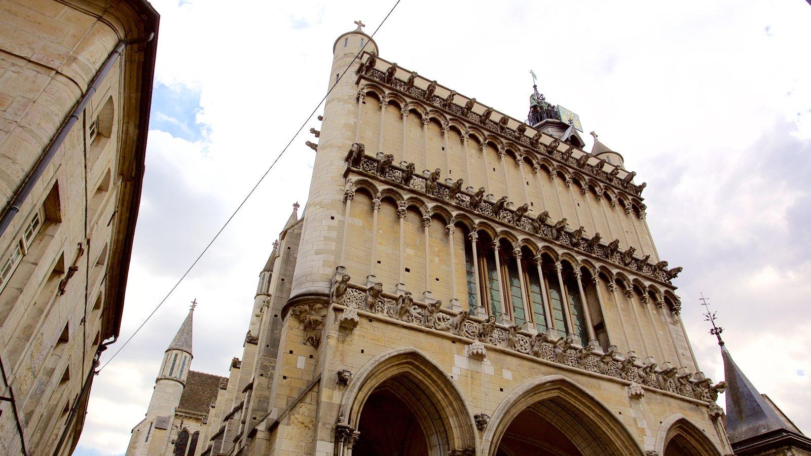 Igreja de Notre Dame mostrando uma igreja ou catedral, elementos de patrimônio e arquitetura de patrimônio