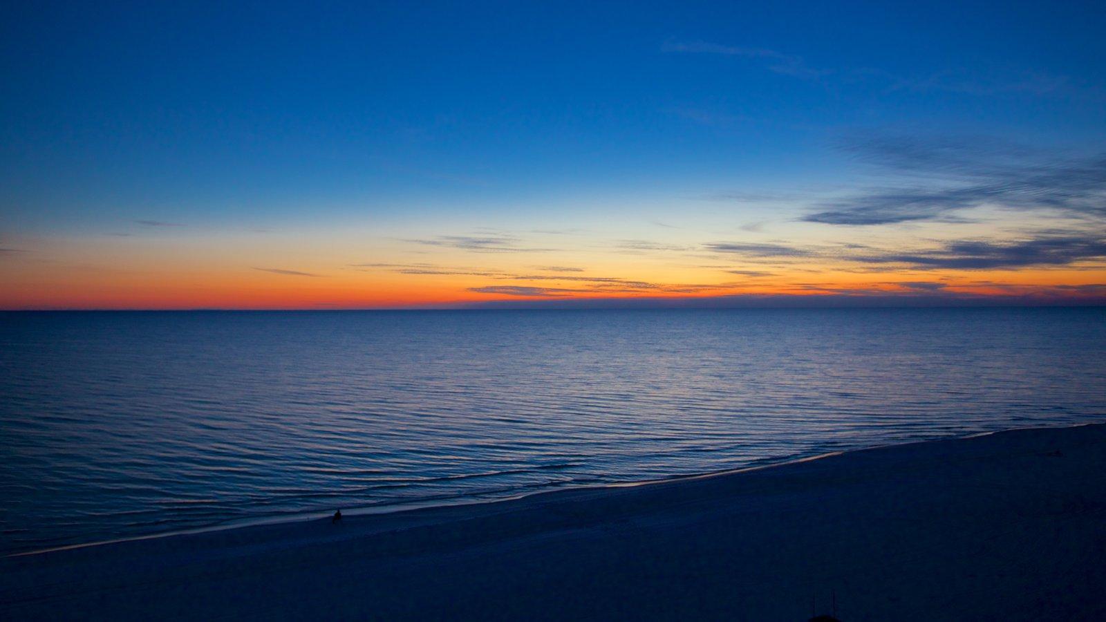Cidade do Panamá caracterizando uma praia e um pôr do sol