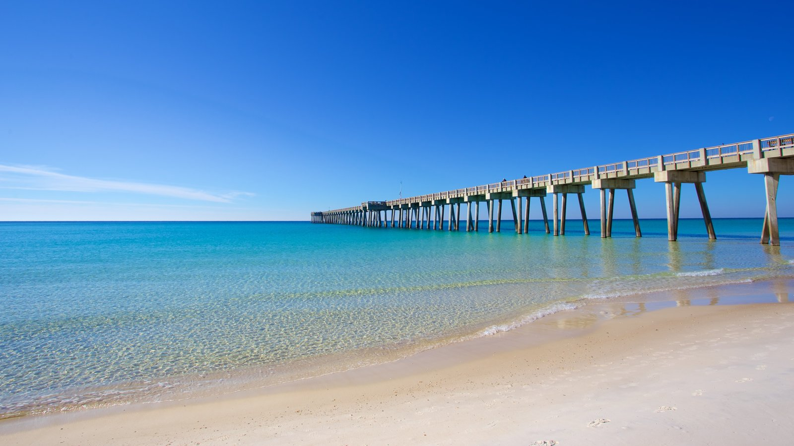 Pier Park showing a sandy beach