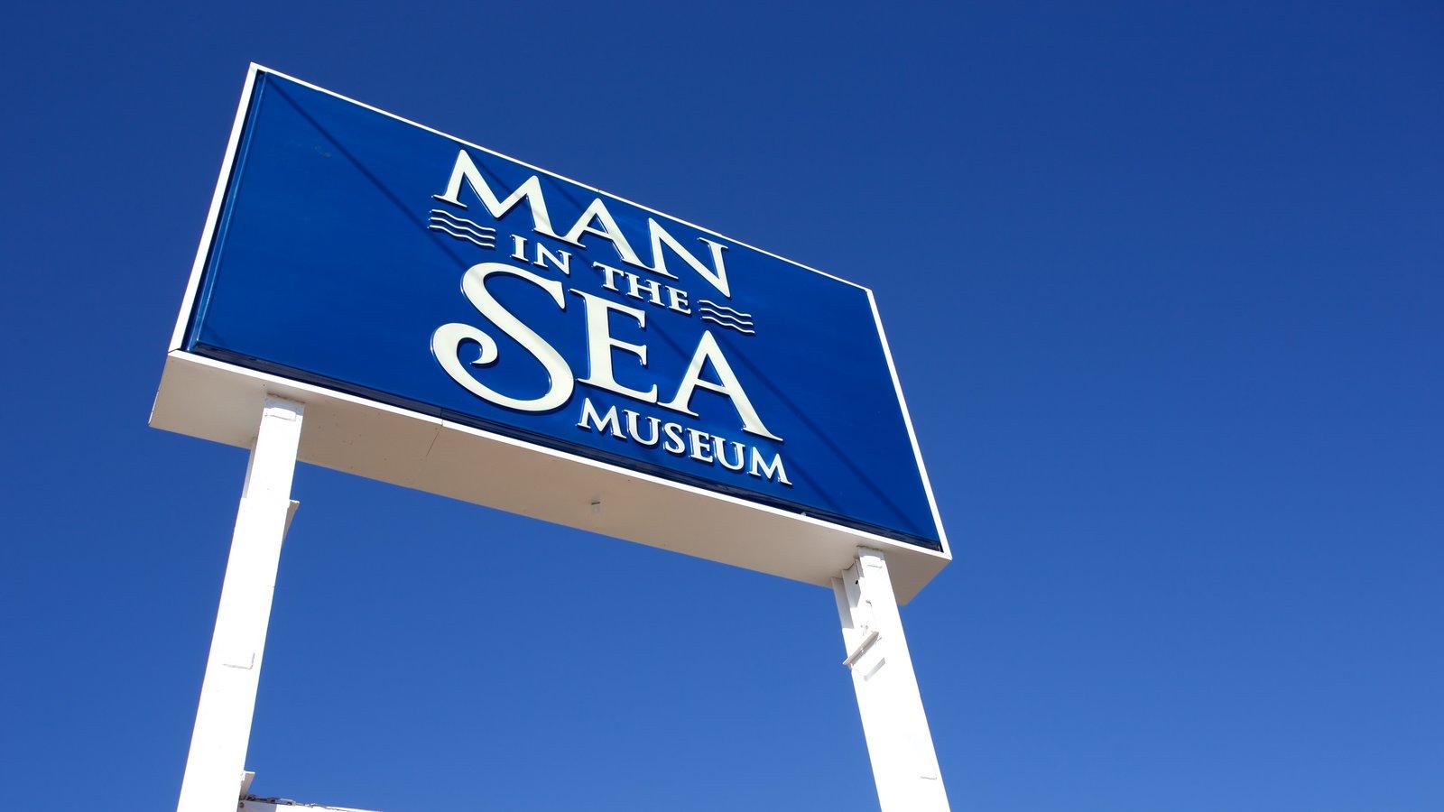 Museum of Man in the Sea que inclui sinalização