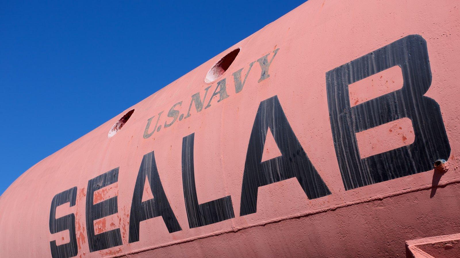 Museum of Man in the Sea caracterizando sinalização