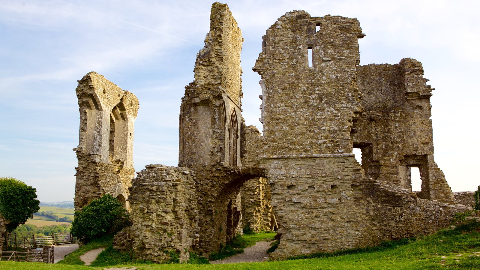 Corfe Castle featuring a ruin and heritage elements