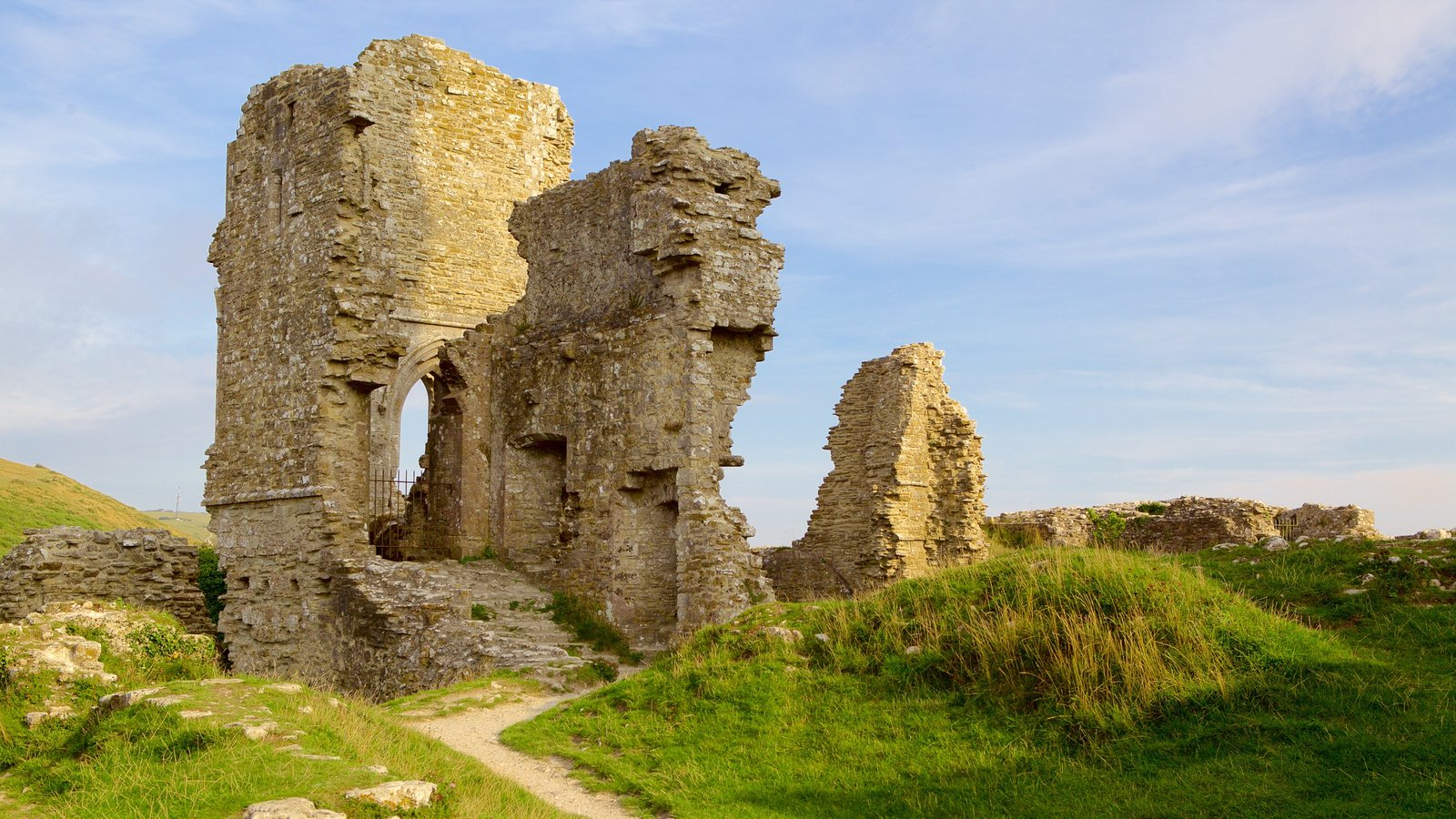 Corfe Castle featuring building ruins and heritage elements