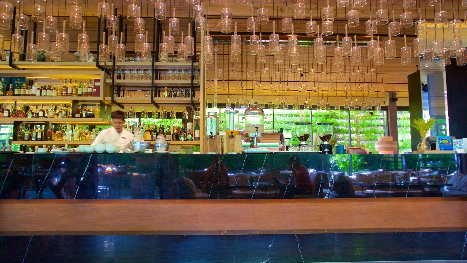 Sukhumvit which includes a bar