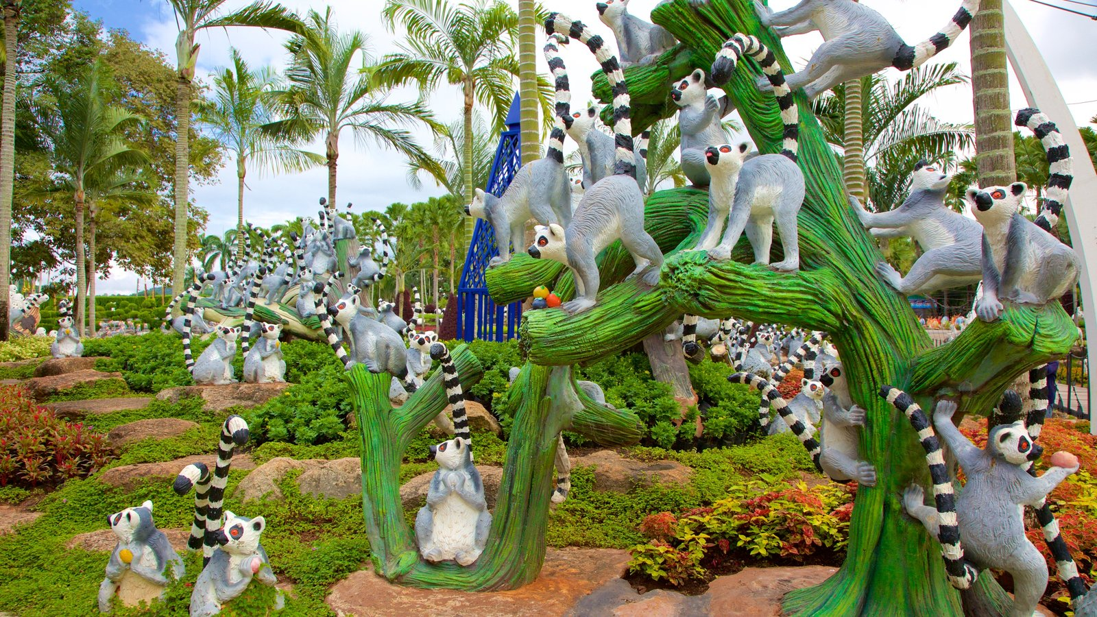gardens & parks pictures: view images of nong nooch tropical