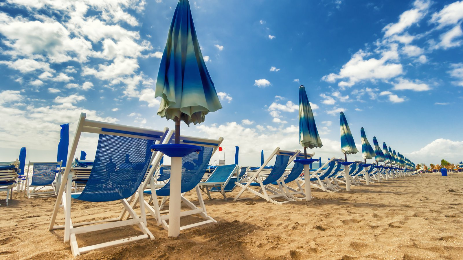 Versilia showing a luxury hotel or resort and general coastal views