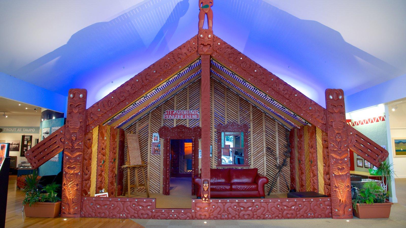 Lake Taupo Museum and Art Gallery caracterizando cultura nativa