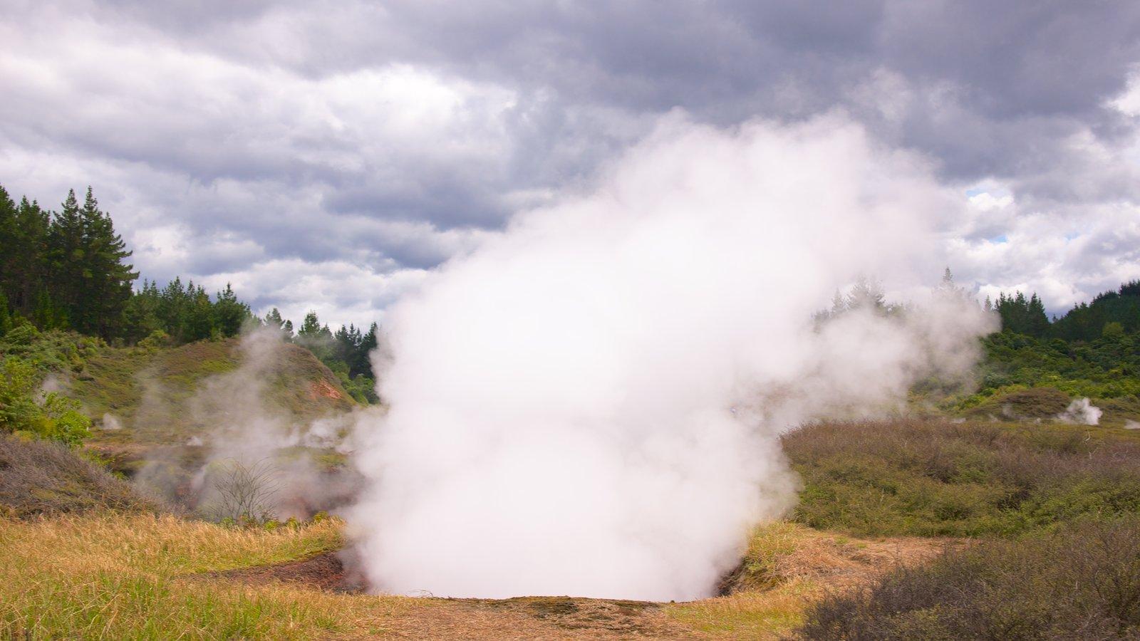 Craters of the Moon que inclui neblina e cenas tranquilas