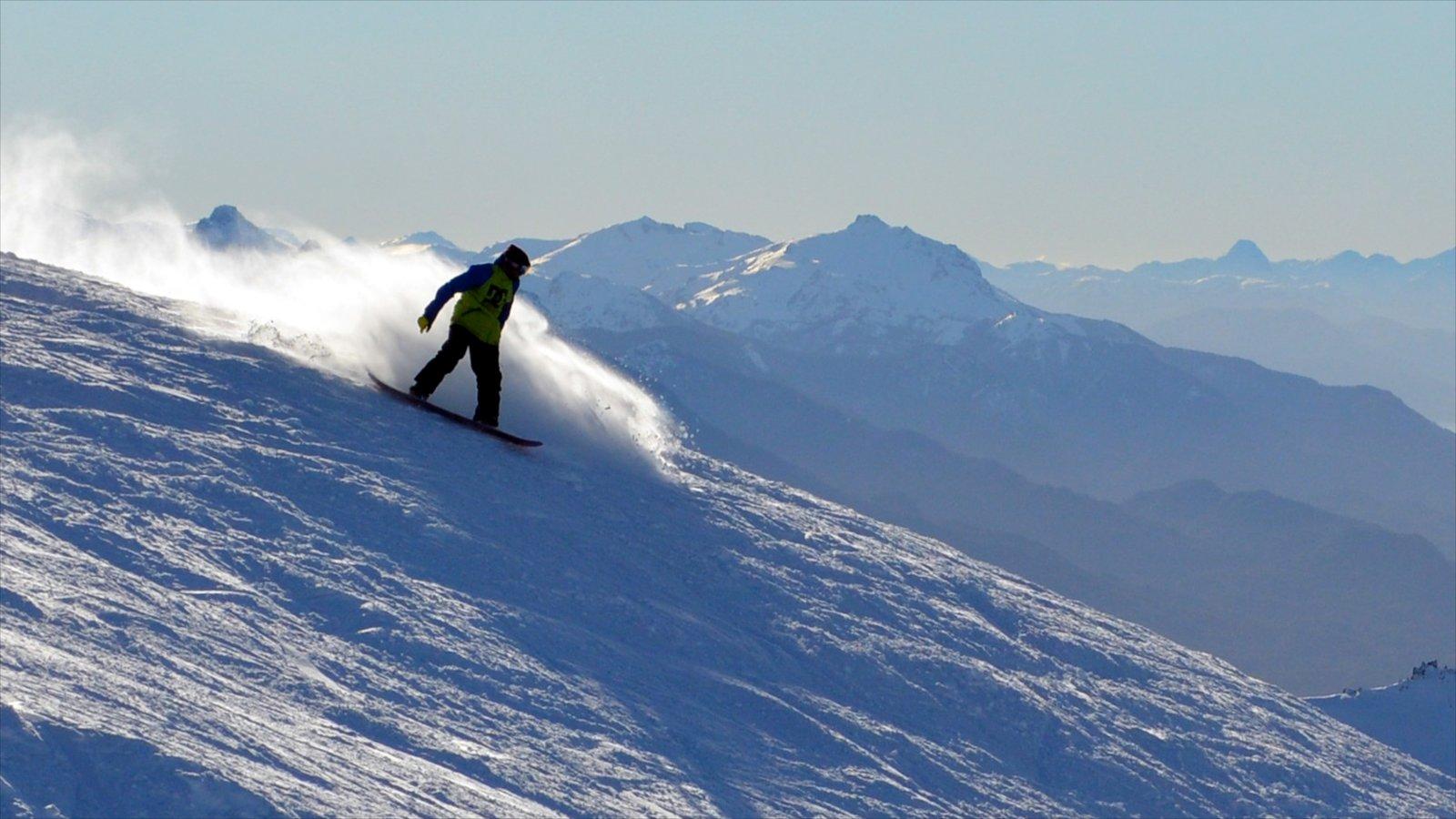 Bariloche mostrando snowboard, paisagem e neve