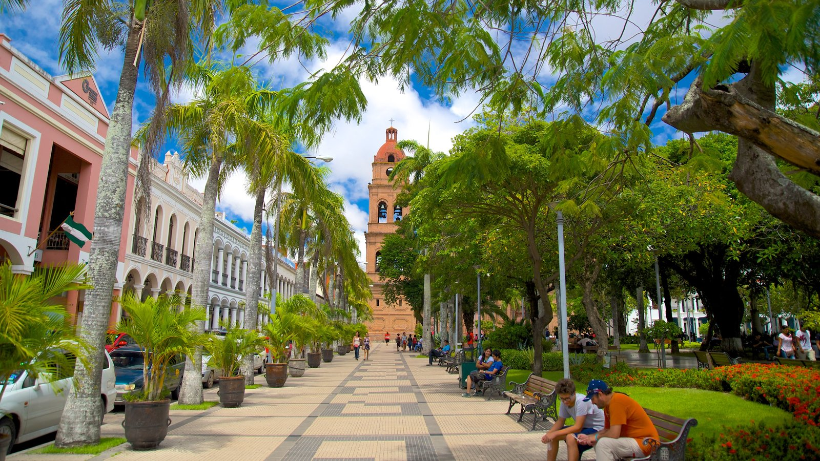 Catedral de San Lorenzo que inclui um parque