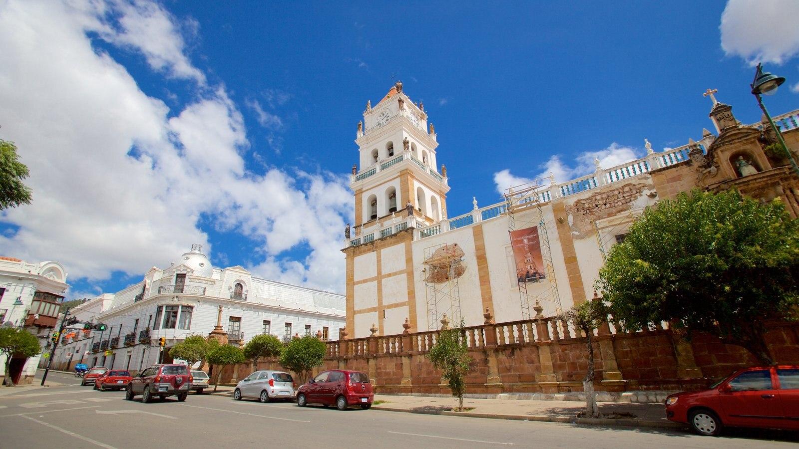 Catedral Sucre mostrando uma cidade