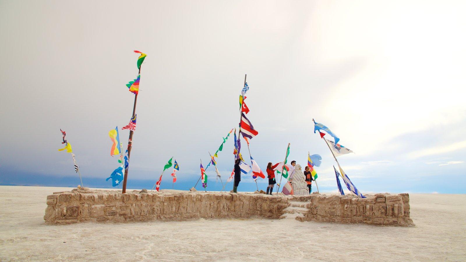 Salar de Uyuni caracterizando cenas tranquilas