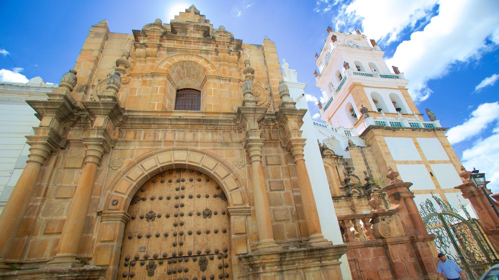 Catedral Sucre mostrando arquitetura de patrimônio