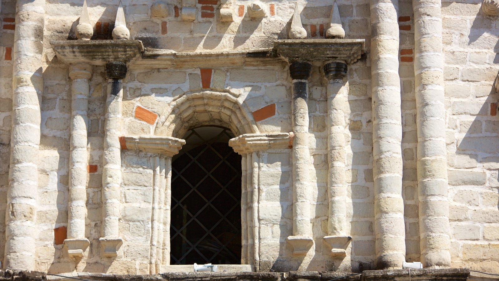 Igreja de São Francisco mostrando uma igreja ou catedral e elementos de patrimônio