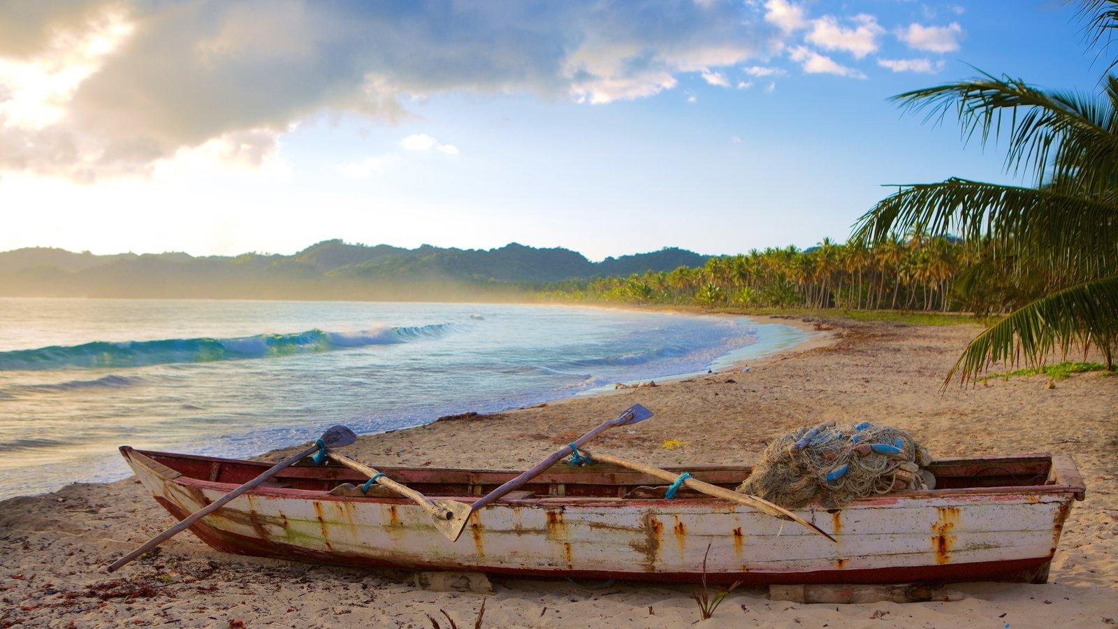 Playa Rincon que inclui uma praia de areia