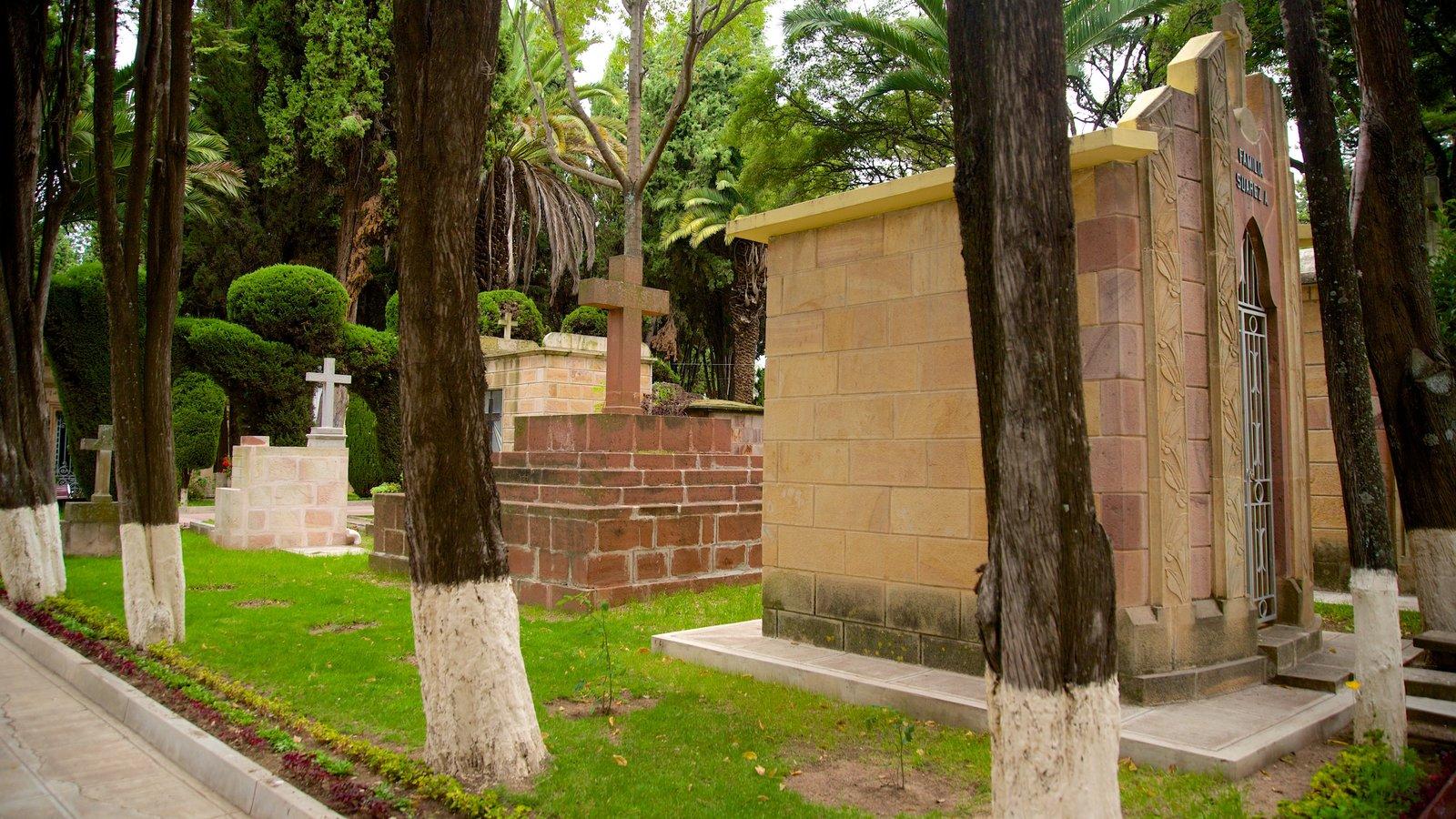 Subandeano que inclui um cemitério