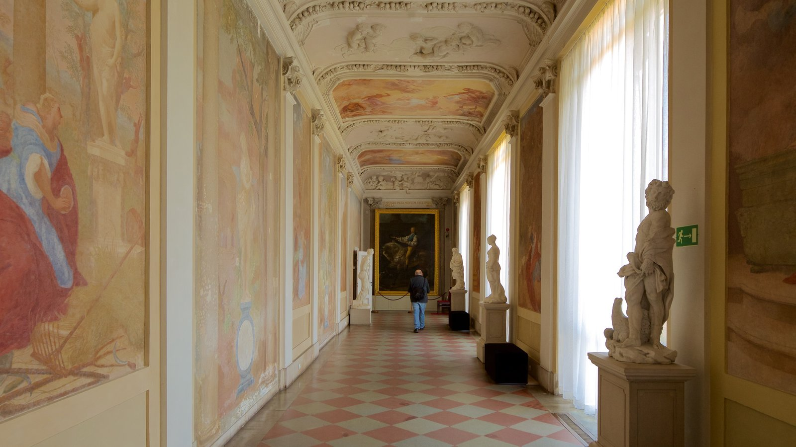 Wilanow Palace which includes art, interior views and heritage elements