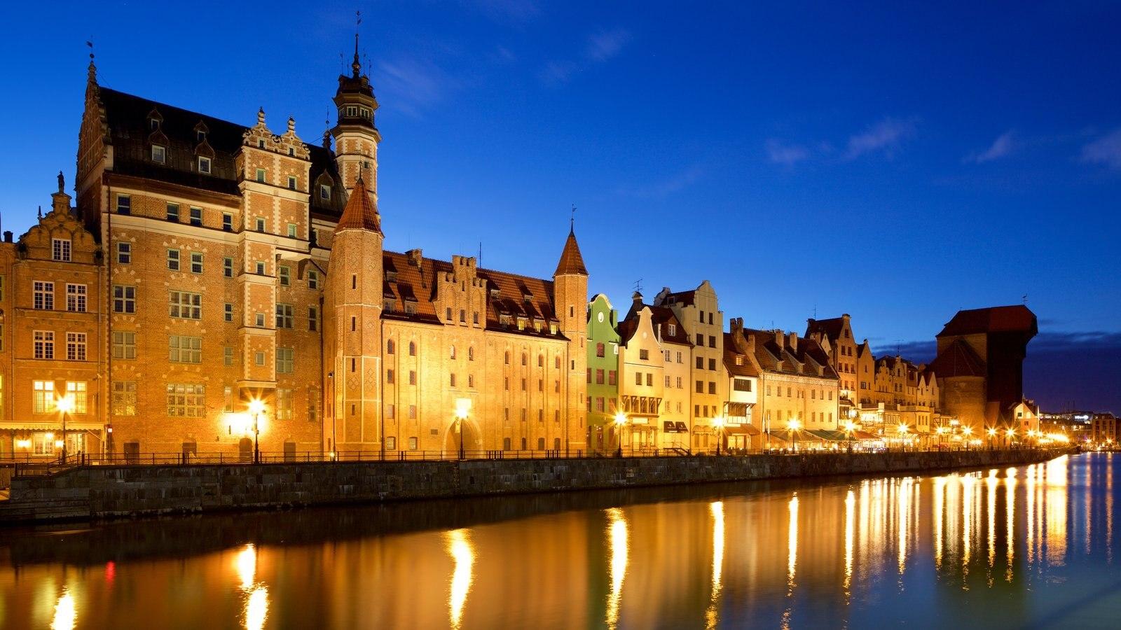 Grua de Gdansk mostrando uma cidade, um rio ou córrego e cenas noturnas
