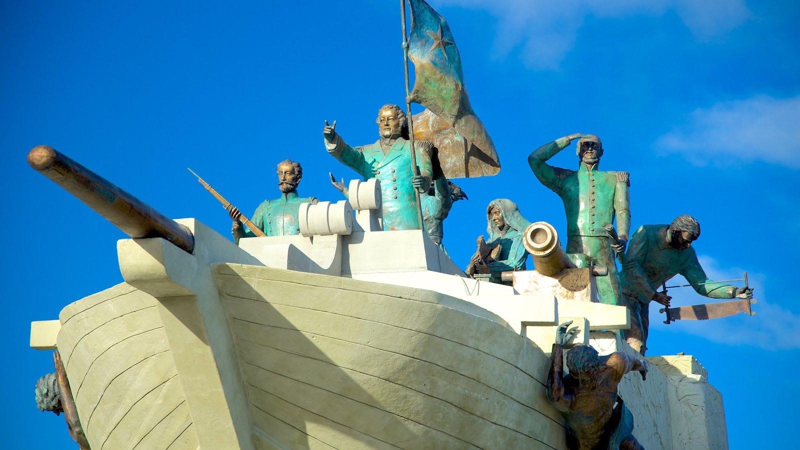 Punta Arenas caracterizando arte ao ar livre e uma estátua ou escultura