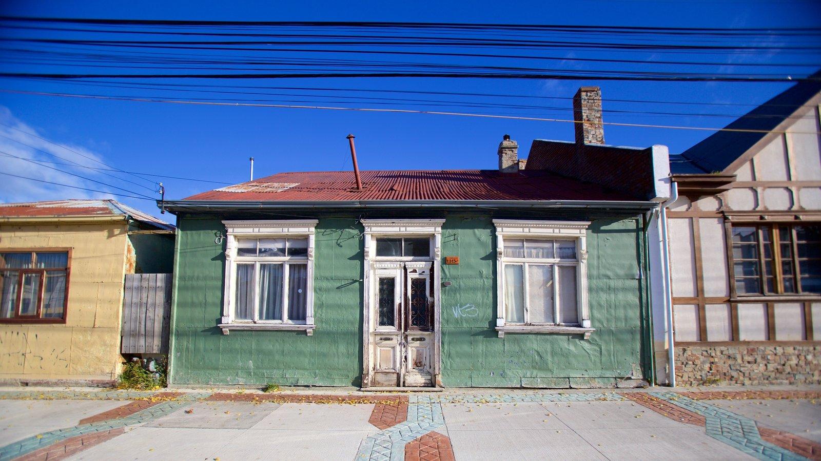 Punta Arenas mostrando elementos de patrimônio e uma casa