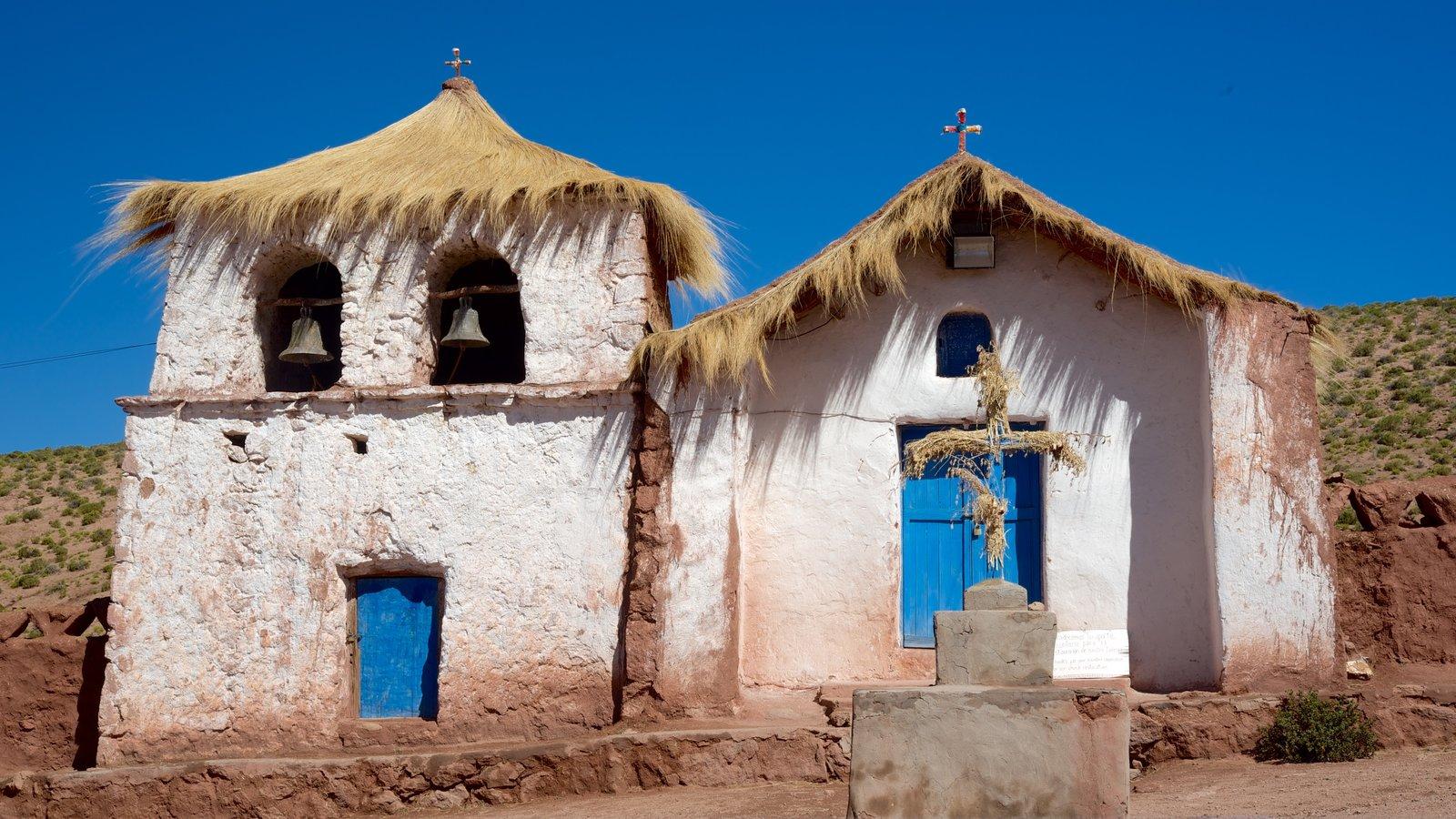 Machuca mostrando uma igreja ou catedral e cenas tranquilas