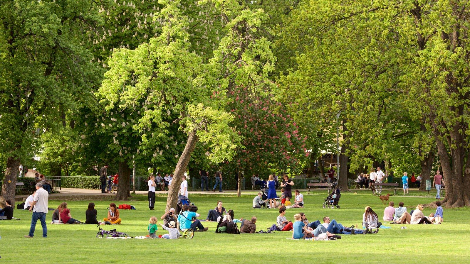 Fotos de parques y jardines ver im genes de parque kampa for Parques con jardines