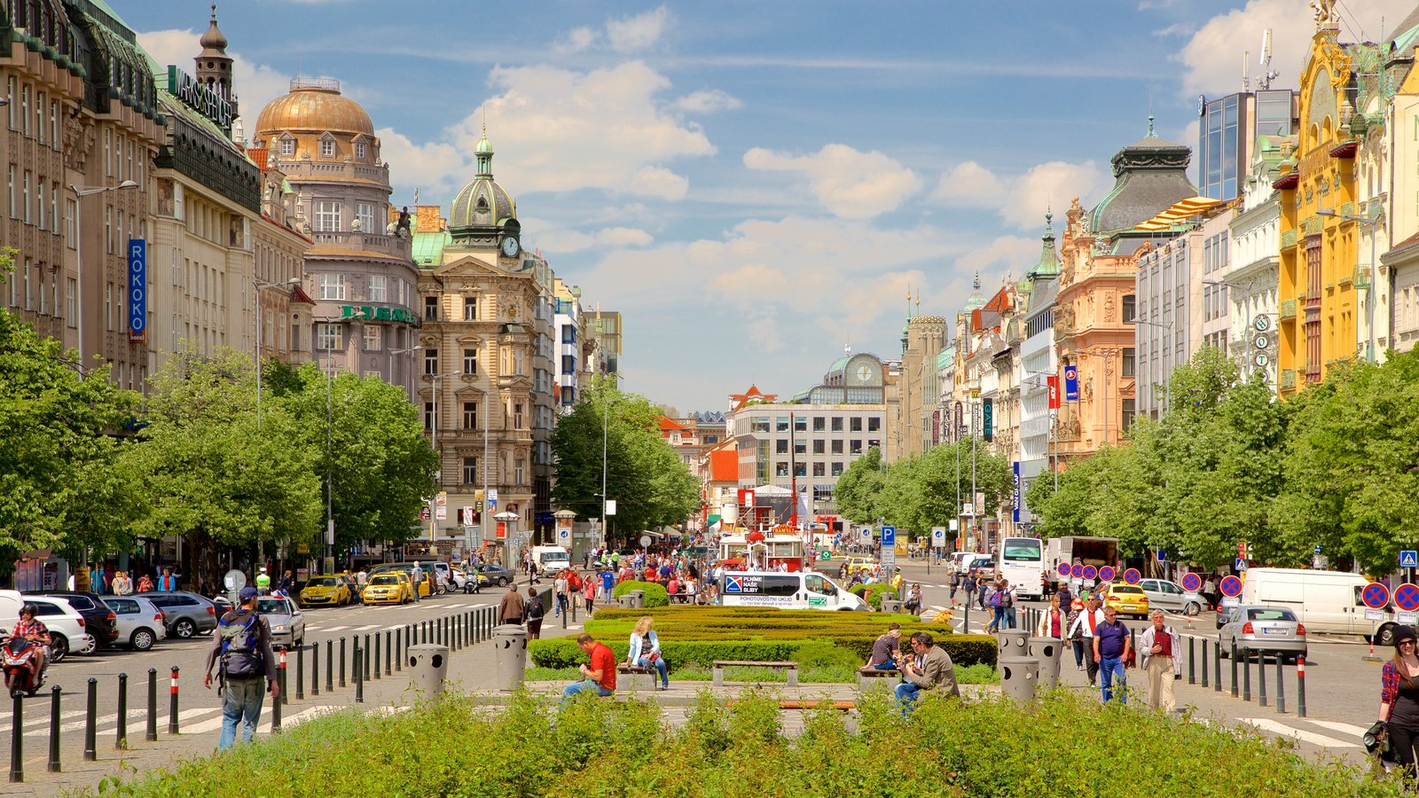 Wenceslas square pictures view photos images of for Prague square