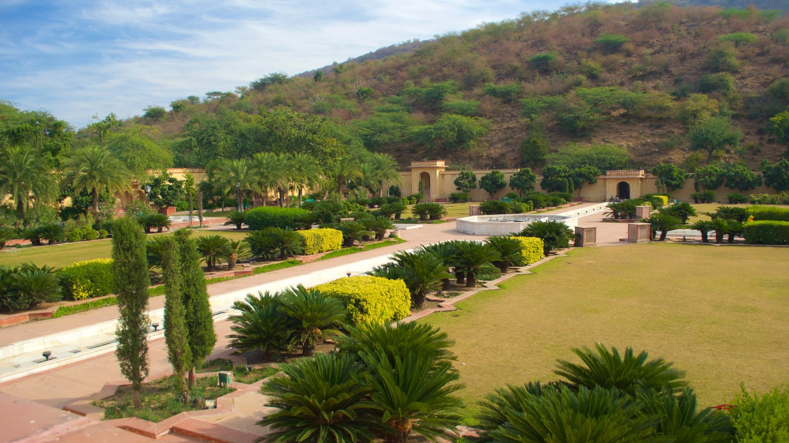 Sisodia Rani Palace And Garden Which Includes A Park