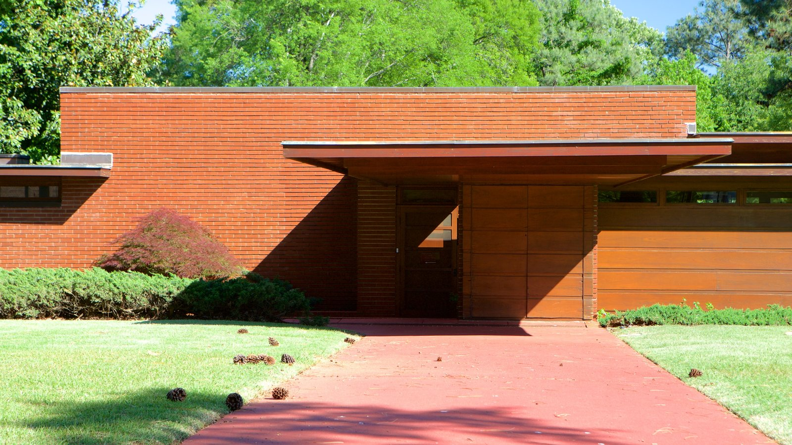 overview of the life of frank lloyd wright