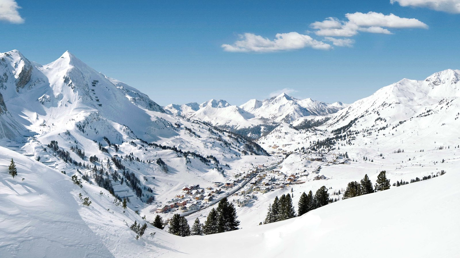 Obertauern which includes landscape views, mountains and snow