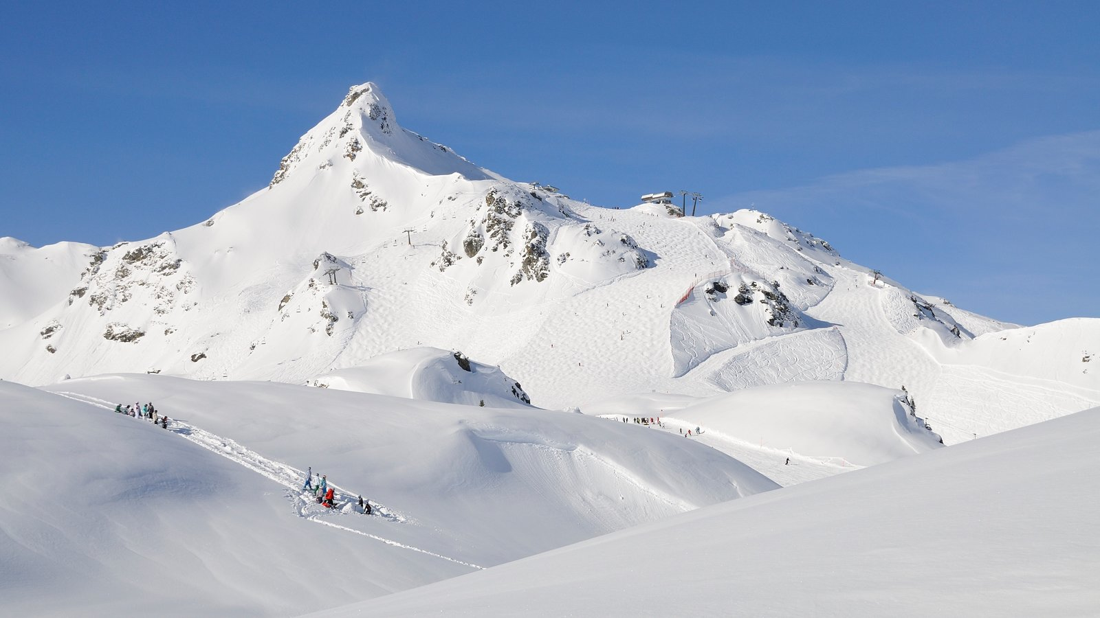 Obertauern which includes mountains and snow