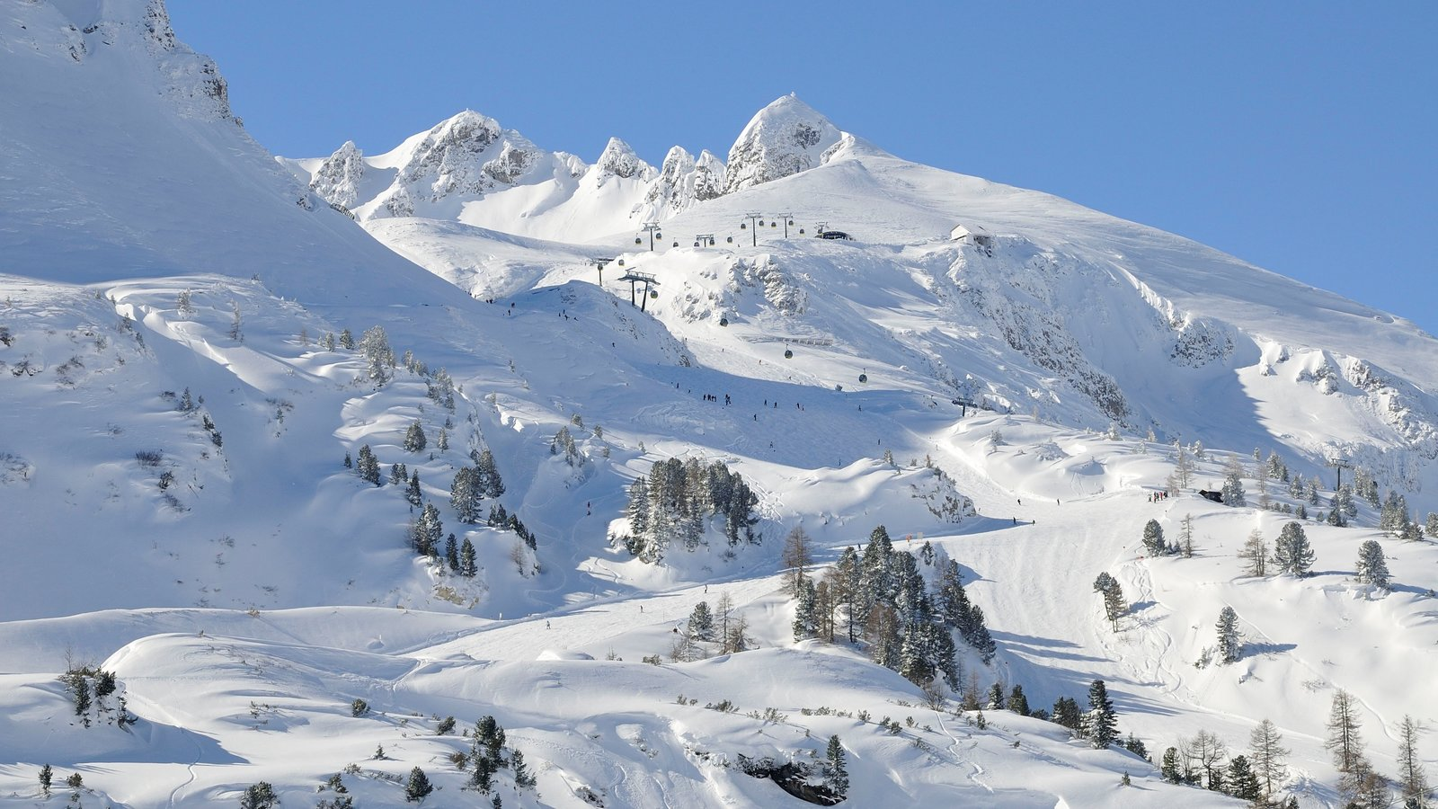 Obertauern which includes snow and mountains