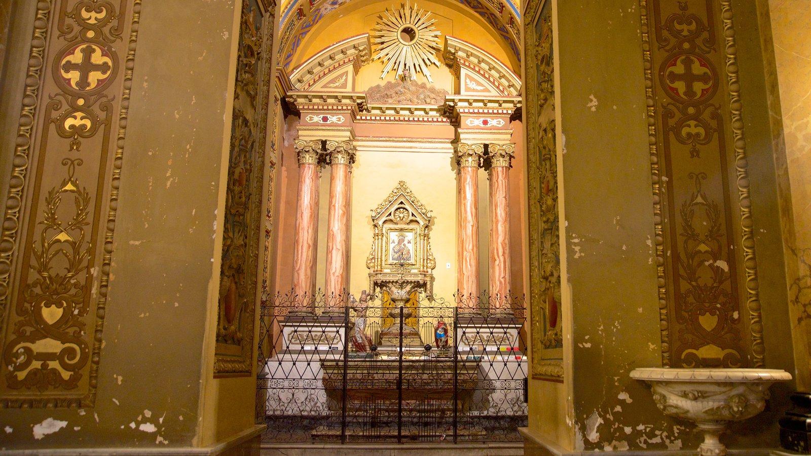 Catedral de Cordoba mostrando aspectos religiosos, uma igreja ou catedral e arquitetura de patrimônio