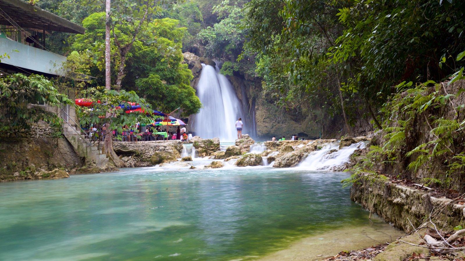カワサン滝 表示 滝 と 湖あるいは泉