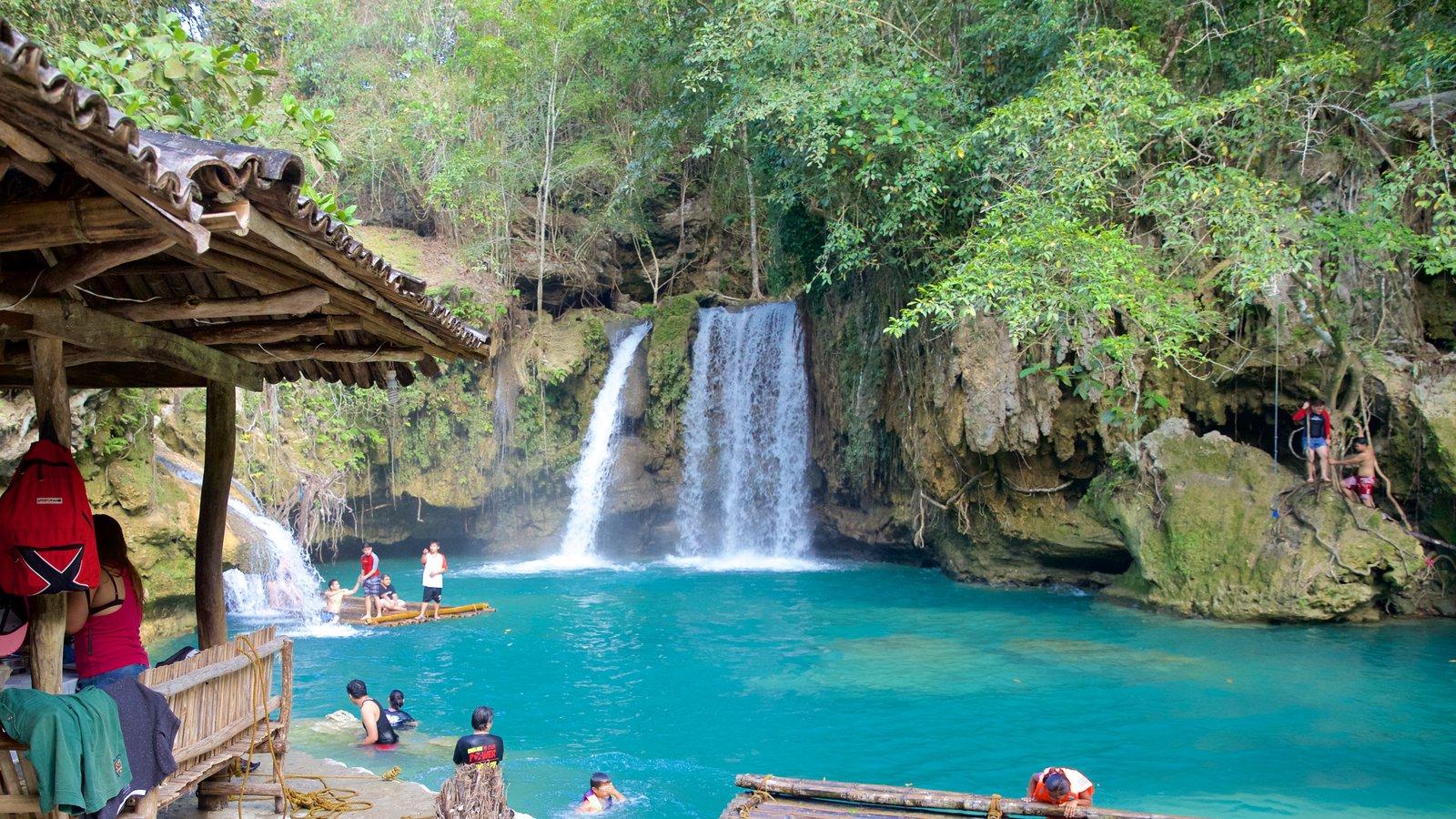 カワサン滝 どの含み 湖あるいは泉 と 段滝